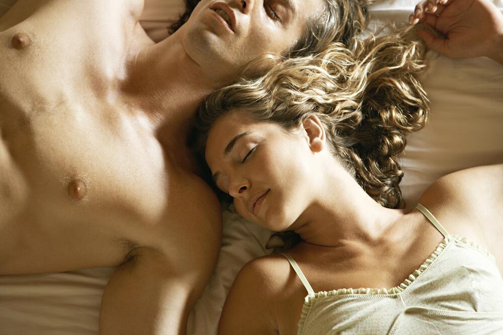 seks-paren-i-devushka-posle-ssori-seks-video-smotret-pornuha-na-russkom-yazike
