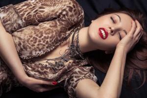 Секс нимфоманкам нужен, как больному насморком – носовой платок: применил и забыл. Хотя бы не надолго.