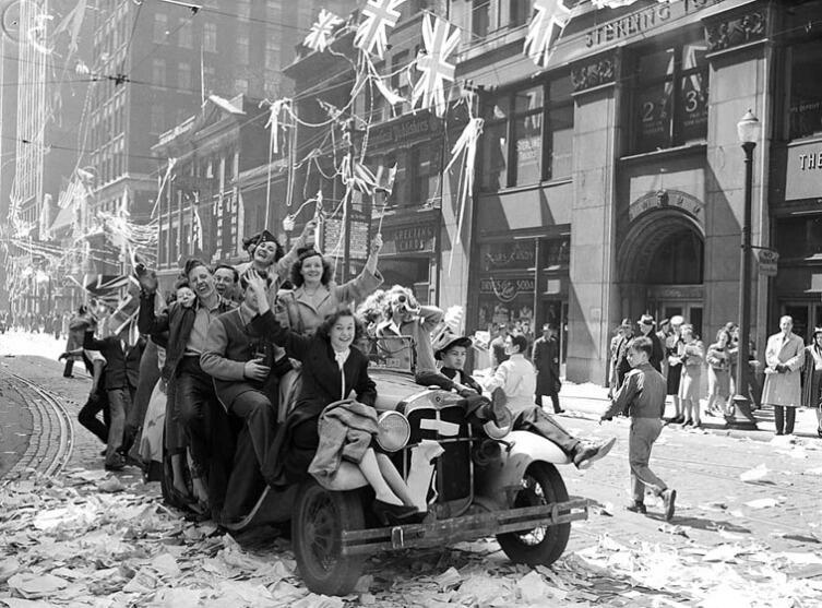 Торонто, Канада, 7 мая 1945 г.