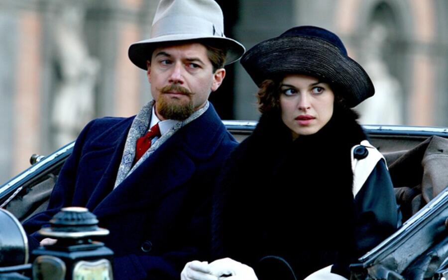 Кадр из фильма «Джузеппе Москати. Исцеляющая любовь»