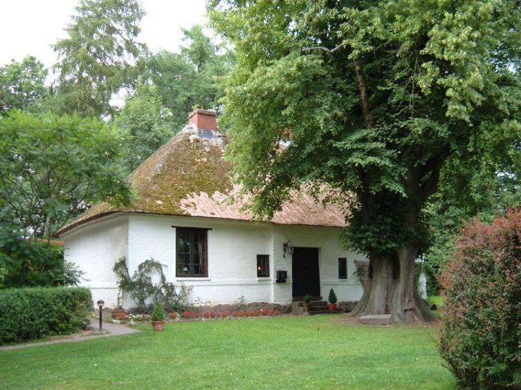 Дом в Бад-Ольдесло, Германия, где, как утверждается, жил и трудился Менно