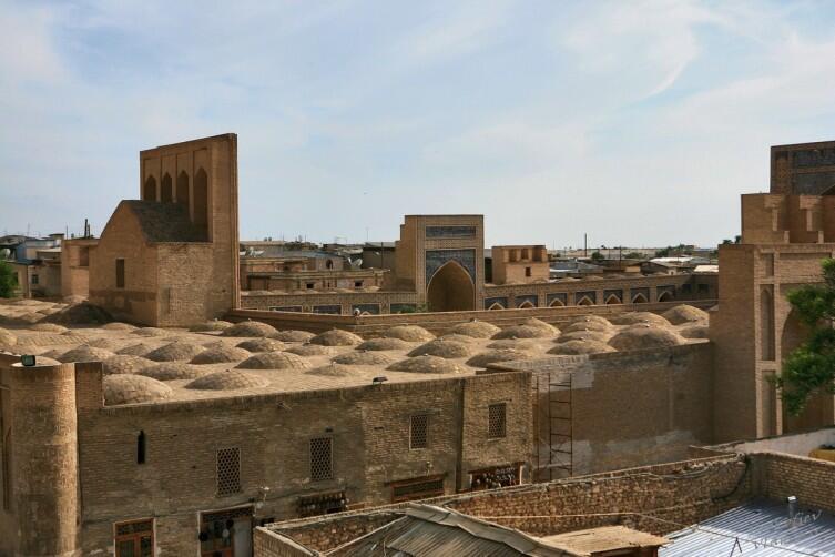 Вид сверху на мечеть Пои-Калян