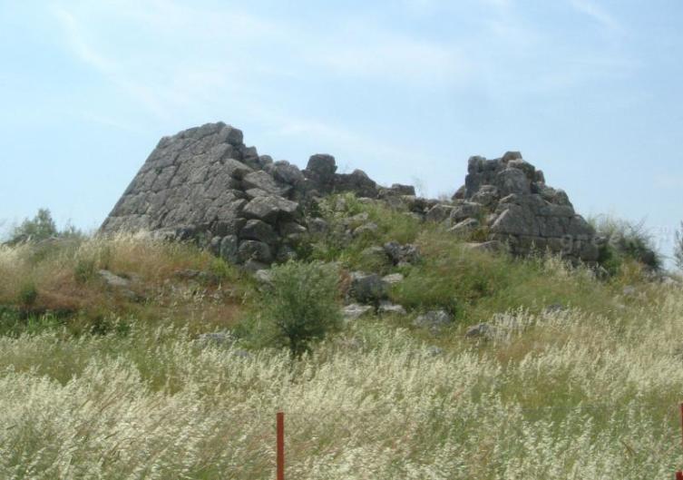 Пирамида Эллинико