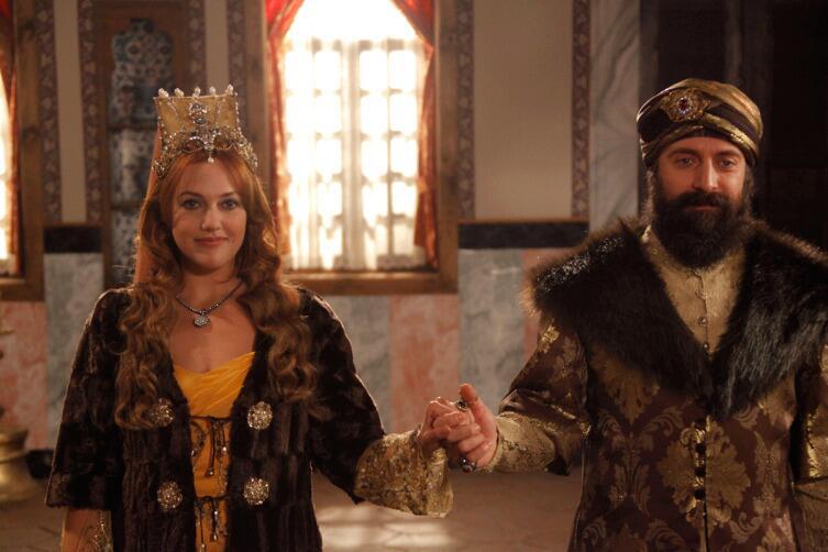 Султан Сулейман и его любимая наложница Роксолана (Хюррем)
