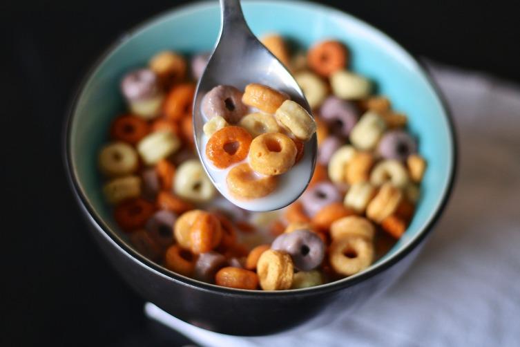 Сухие завтраки - не лучший вариант, так как сытость после них быстро проходит