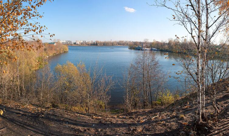 Вид на реку Кимрку с левобережной стороны Волги