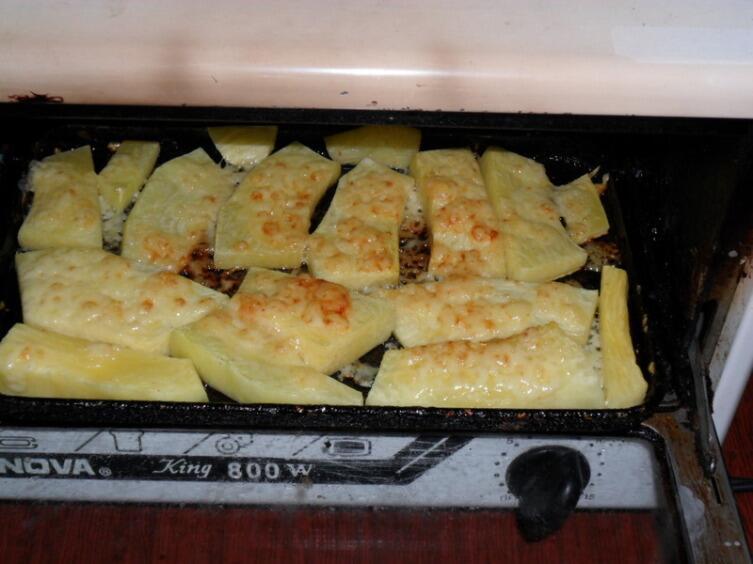 Самое простое блюдо - кабачки, запеченные с сыром