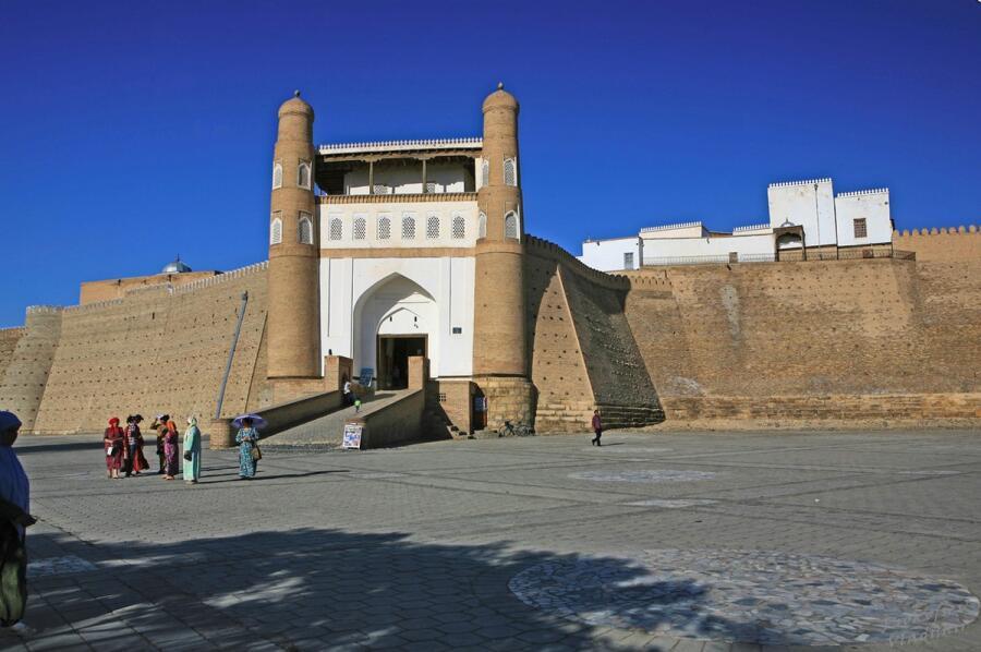 Цитадель Арк — сердце Бухары и традиционное местопребывание властителей города