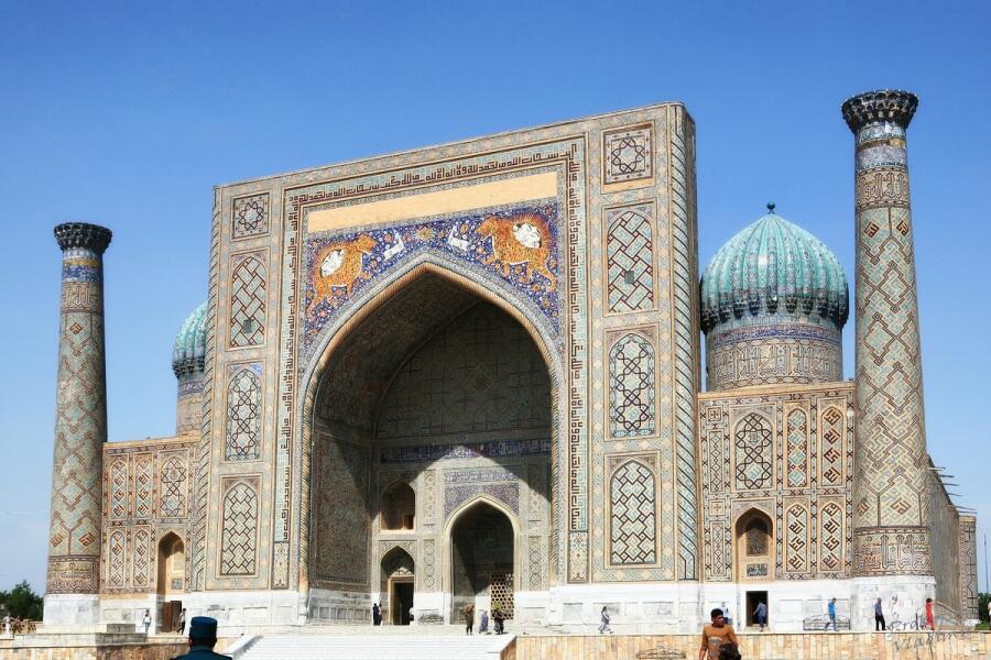 Самарканд, площадь Регистан, медресе Шер-Дор в наше время