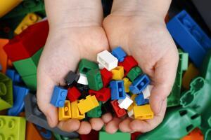 В чем польза игр с конструктором LEGO?