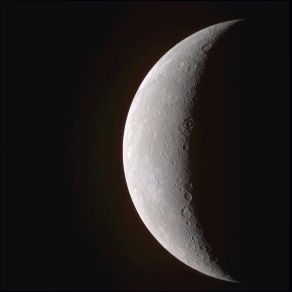 Первые изображения Меркурия с высоким разрешением, полученные АМС «Мессенджер», 22 января 2008 г.