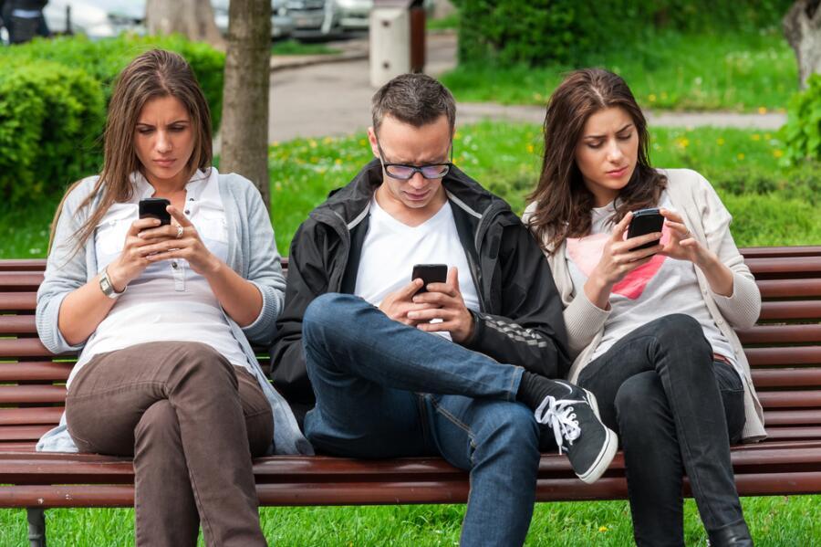 Какие заблуждения известны о мобильниках?