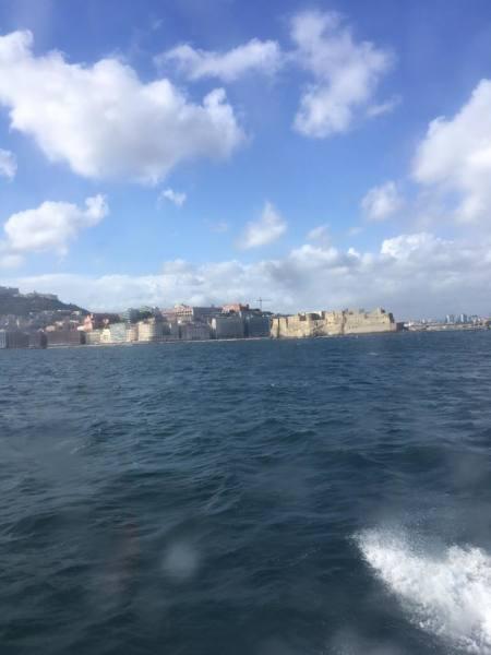 Между Неаполем и островом Искья