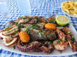 Отдых на Кипре: ехать или не ехать? Еда и люди