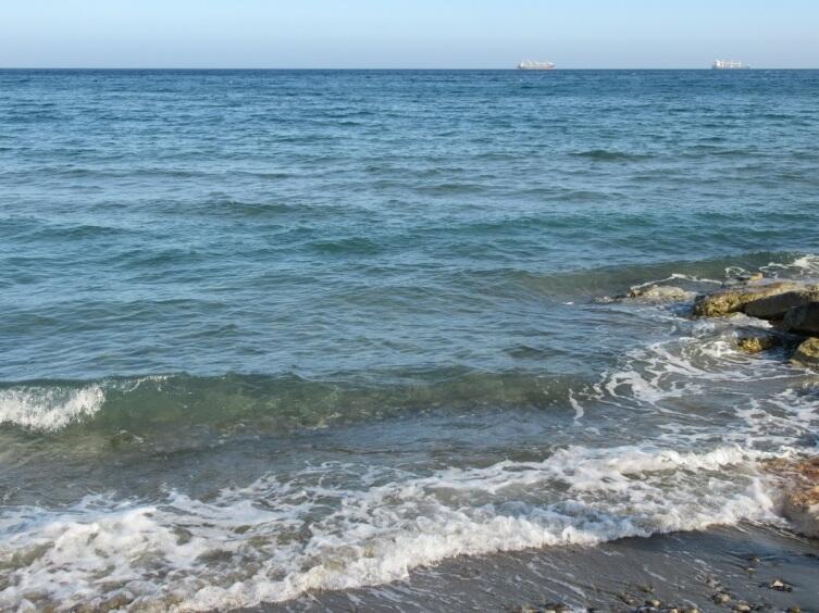 Прибой Средиземного моря