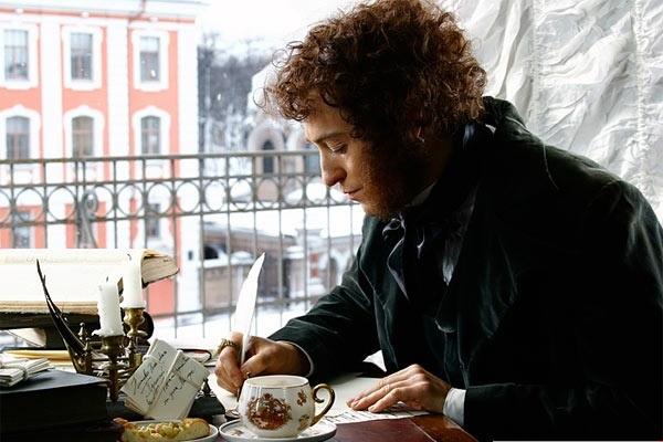 Сергей Безруков в роли Александра Пушкина, в к/ф «Пушкин. Последняя дуэль»