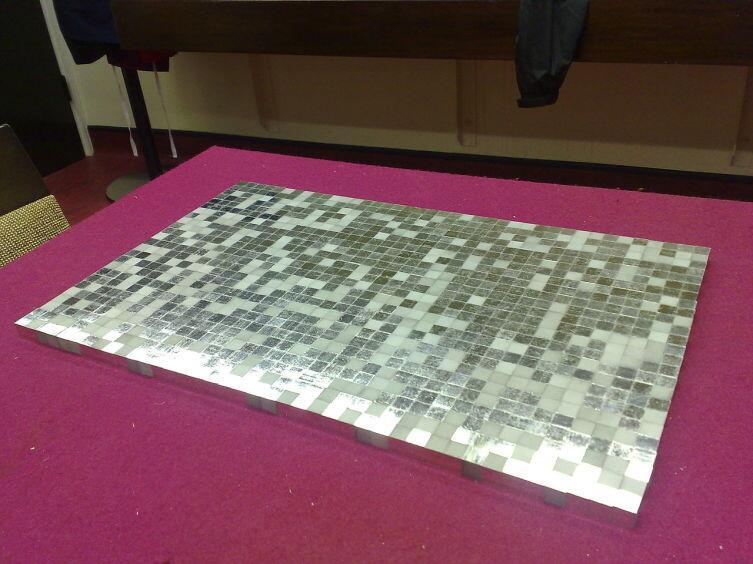 1000 кубических сантиметров 99,9%-ной платины общей стоимостью 970 600 долларов США (в ценах на 14 июля 2012 года)