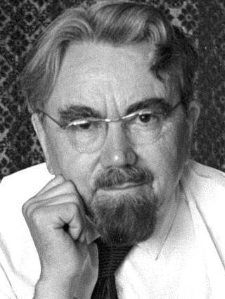 Советский и российский фантаст Александр Казанцев (1906—2002), придумал и ввёл в русский язык слово «инопланетяне» и много других