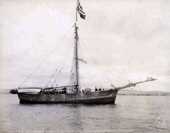 Яхта «Йоа» прибывает в Ном 31 августа 1906 года