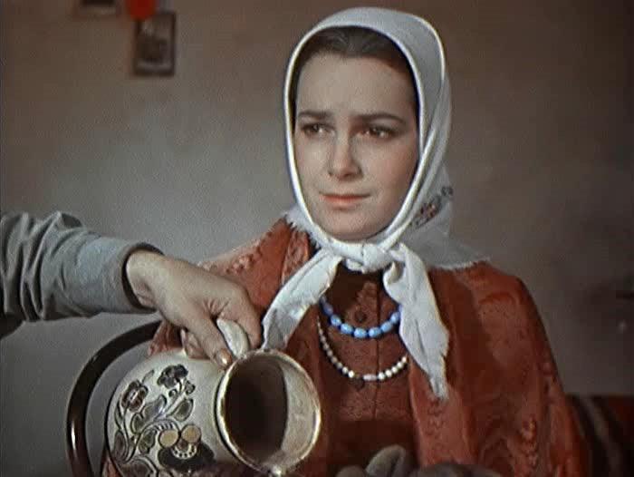 Элина Быстрицкая в роли Аксиньи