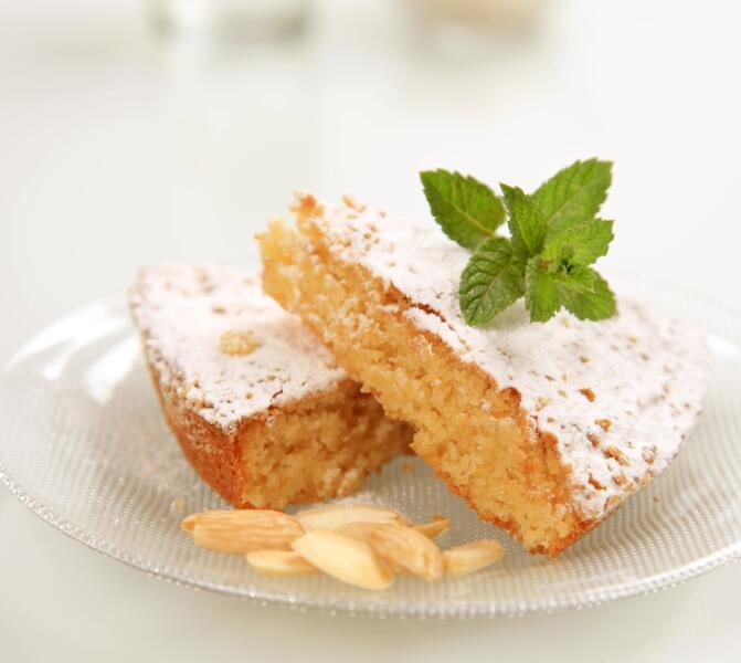 Миндальный кекс с эритритом не отличить от обычного торта