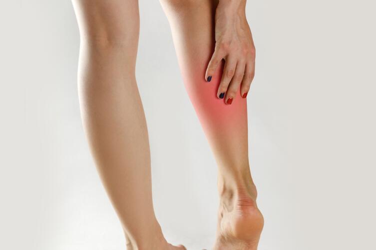 Судороги в ногах могут быть причиной нехватки магния