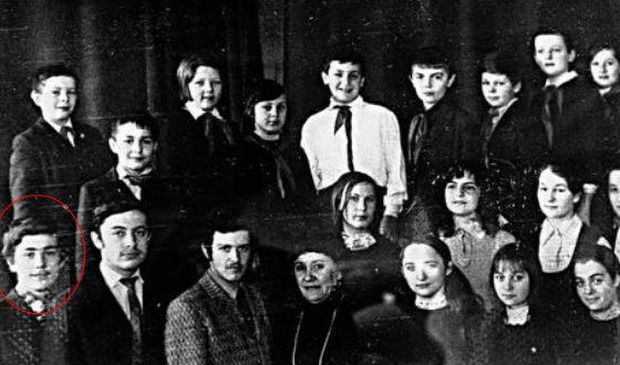 Маковецкий в школьном театральном кружке