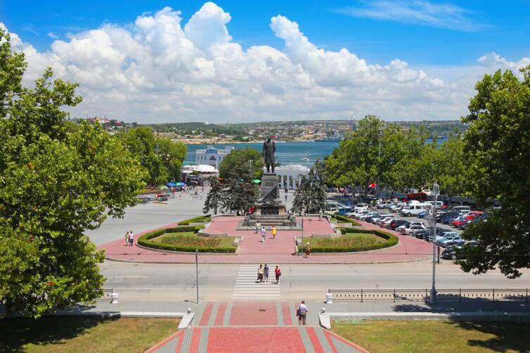 Площадь Нахимова в Севастополе
