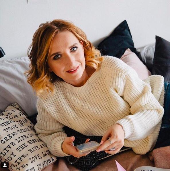 Лариса Суркова, ведет блог о психологии. Мама 5-х детей, кандидат наук, автор 16-ти книг. 1,5 млн. подписчиков