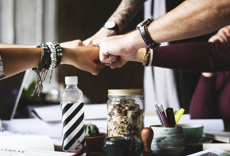 Как стать «своим» в новом коллективе? Инструкция для руководителя