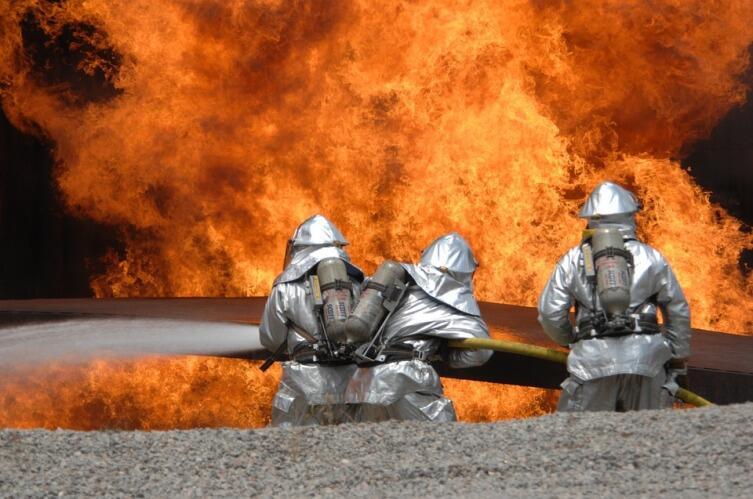 Как потушить пожар сухой водой?