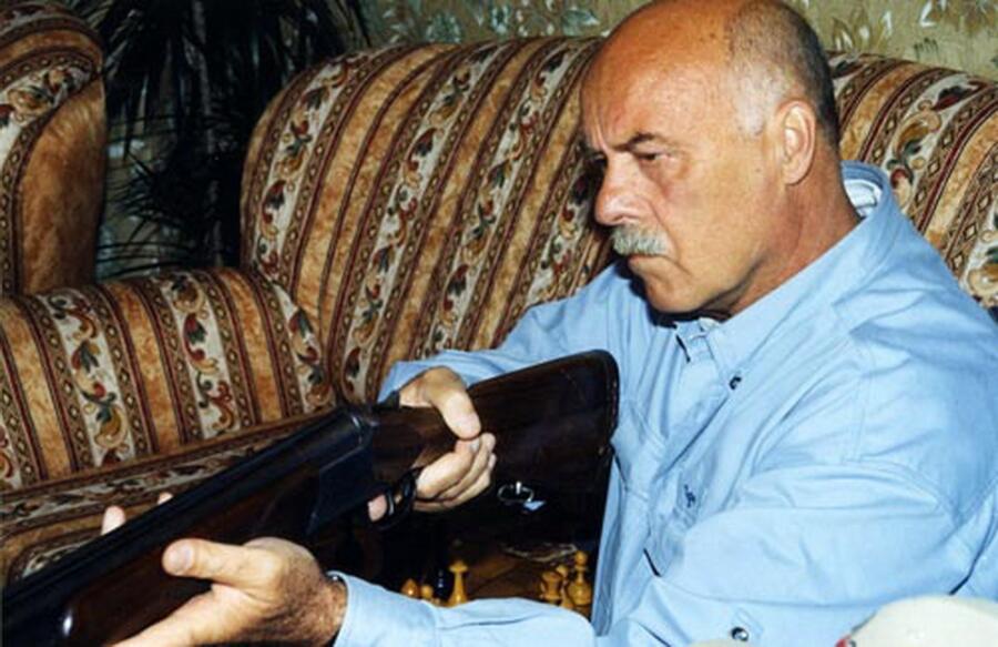 Станислав Говорухин на съемках фильма «Ворошиловский стрелок»