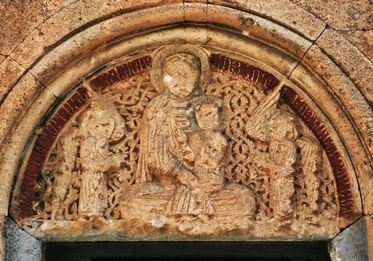 Барельеф монастыря Карапет