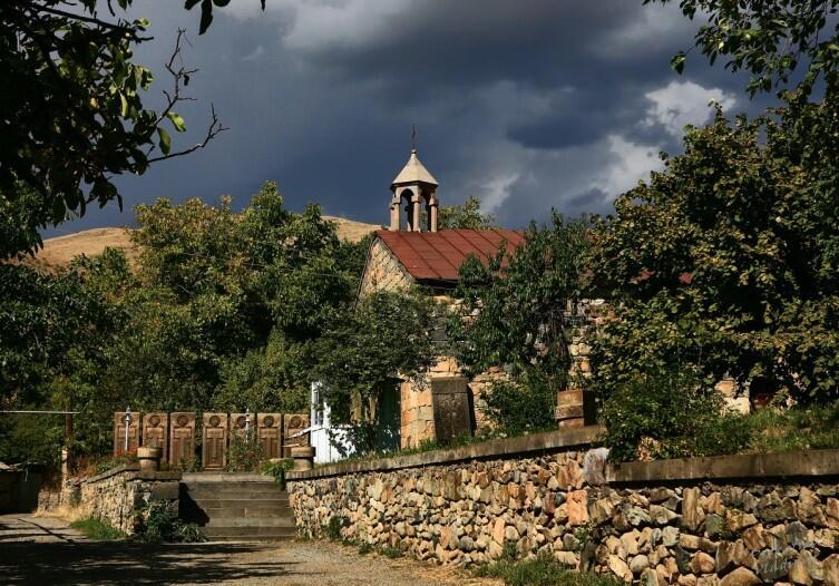 В церкви Сурб Акоп села Вернашен ныне расположен музей, посвящённый Гладзорскому университету