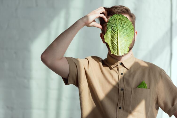 Прикладывайте листья капусты к обожженным частям тела