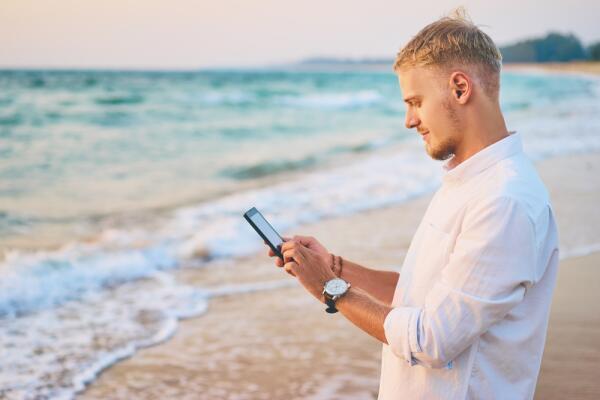 Что делать, если в мобильник попала влага?