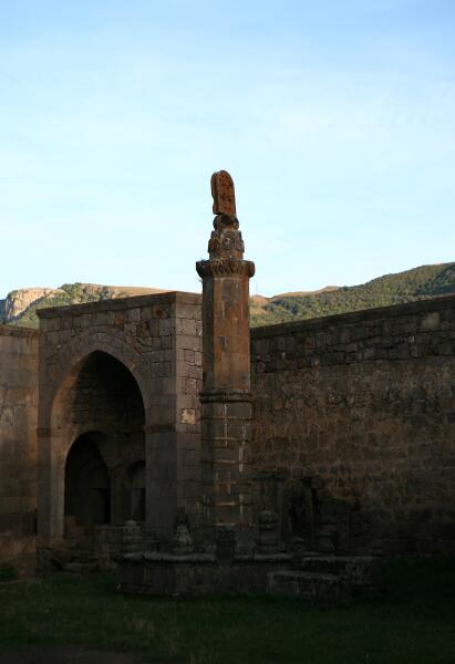 Качающийся столб «Гавазан» в Татеве