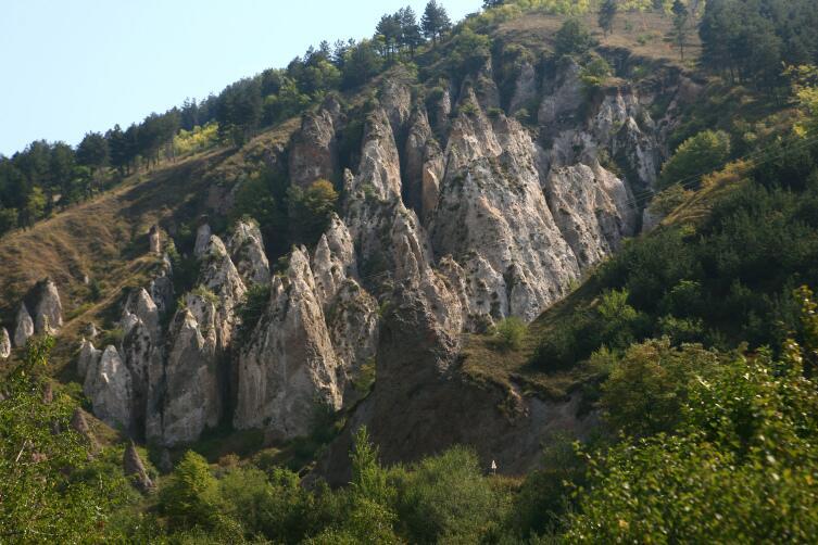 Скальные останцы Хндзореска