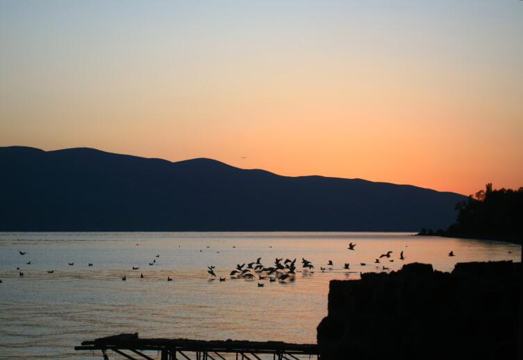 Закат на Севане