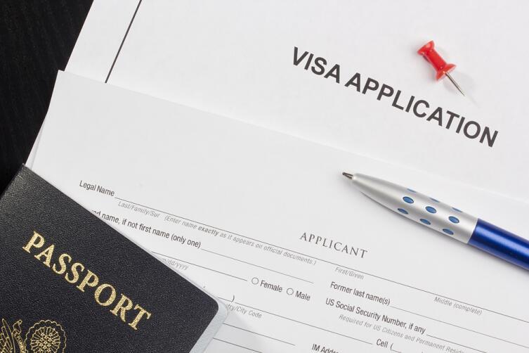 Впервые за границу. Как не ошибиться при выборе путевки и оформлении визы?