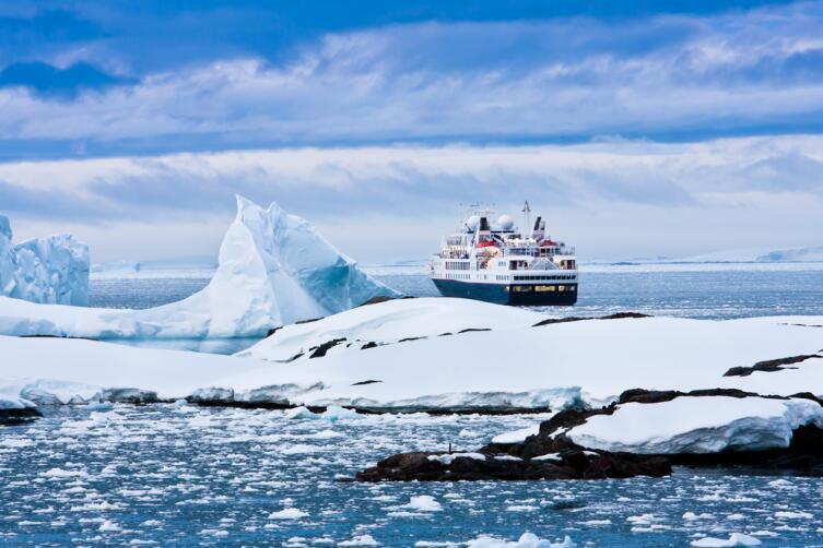 Можно ли отправиться в Антарктиду туристом?