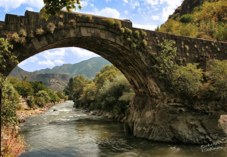 Старый мост через Дебед