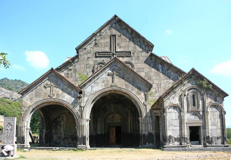 Главный храм Ахталинского монастыря