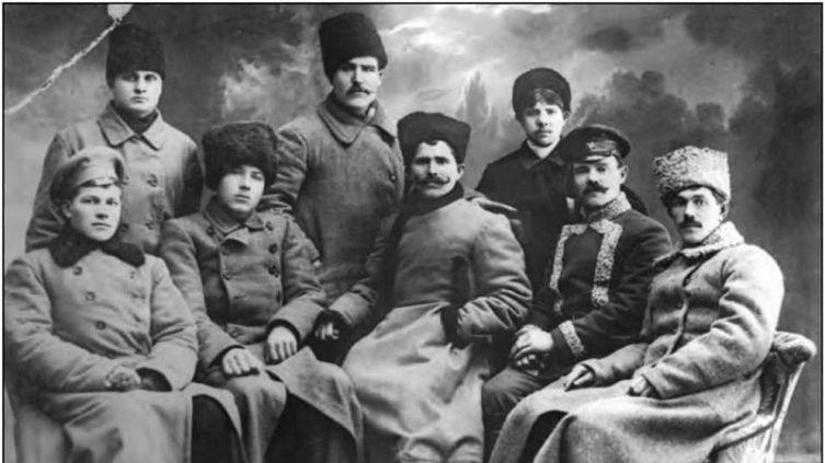 В. И. Чапаев в группе комсостава Красной гвардии