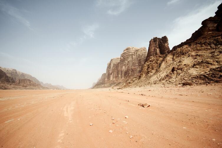 Юджин Шумейкер, американский ученый, основоположник науки астрогеологии, погиб в австралийской пустыне