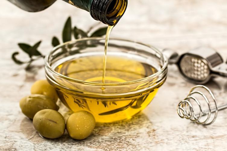 Откуда к нам пришло оливковое масло и в чем его польза?