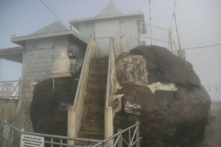 Храм на вершине Адамова Пика