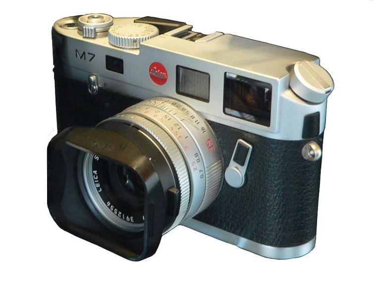 Пленочный фотоаппарат Leica