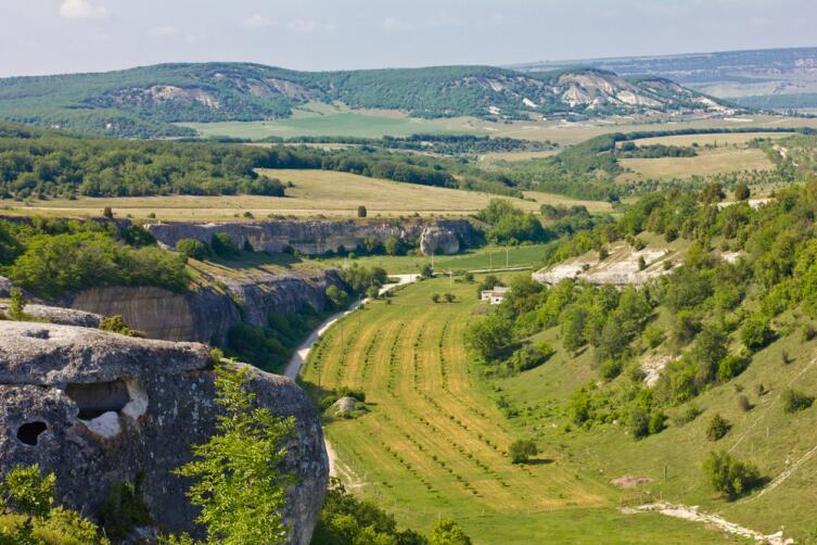 Крымский пейзаж пещерный город Эски-Кермен