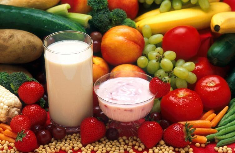 Для супа потребуются фрукты и жирное молоко